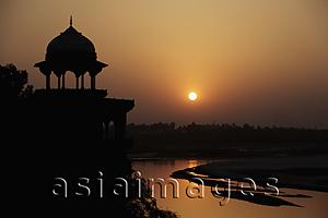 Asia Images Group - Sunset over the Taj Mahal and the River Yamuna, Agra, India