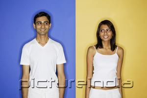 PictureIndia - Couple standing apart